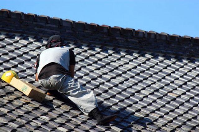 雨漏り修理にはどのような建築業者が対応してくれるのか?