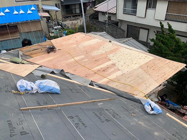 雨漏りの修理では防水シートの交換も必要?
