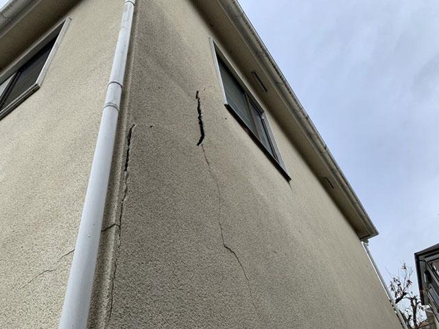モルタル外壁の雨漏り修理はどんな工事をするの?